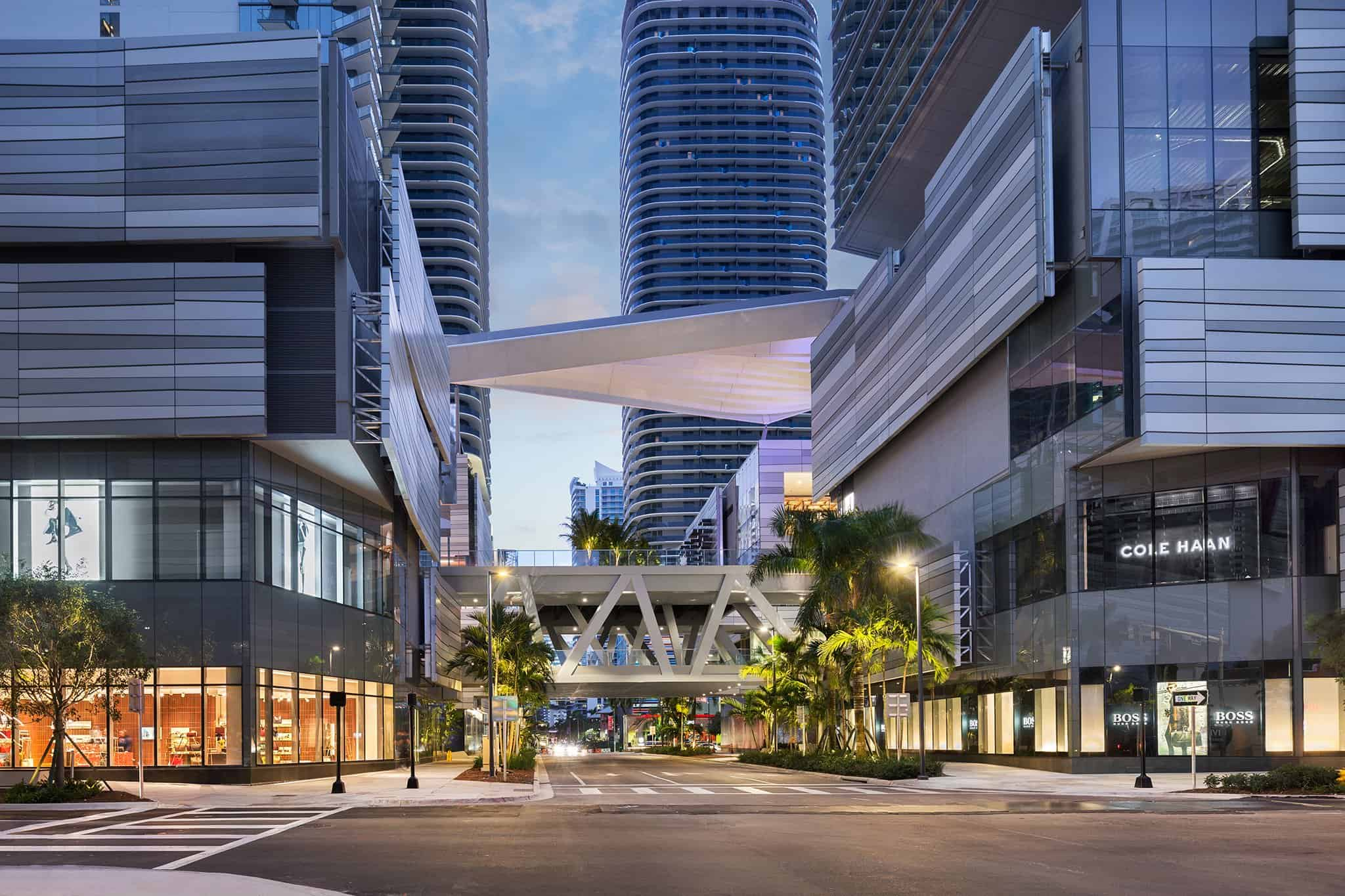 limo rental in brickell miami