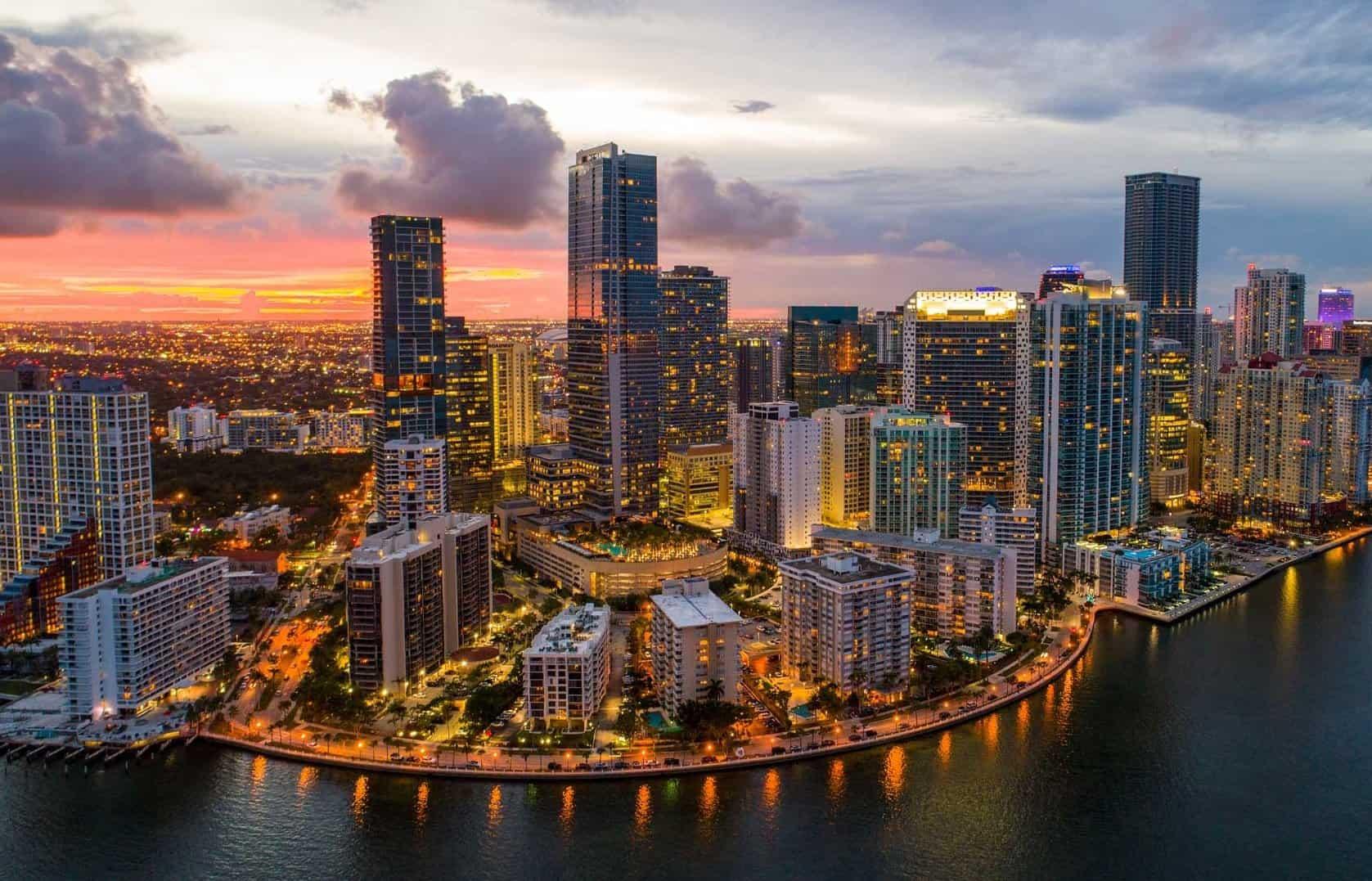 Limo Service to Miami<span> from Orlando</span>